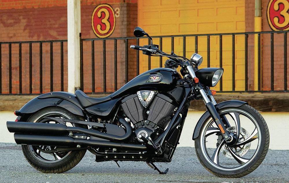 Мотоцикл Victory Vegas 8-ball