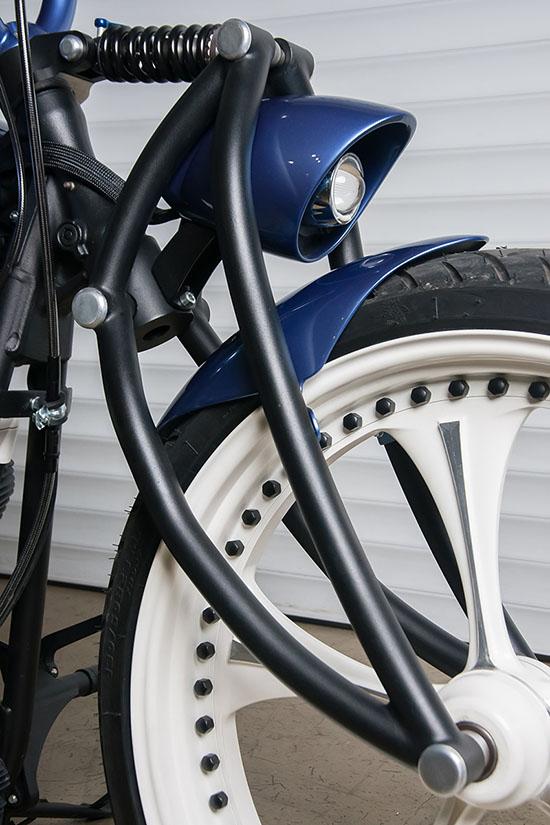 Эксклюзивные переднее колесо, рычажная вилка и фара кастом проекта box39 Sali
