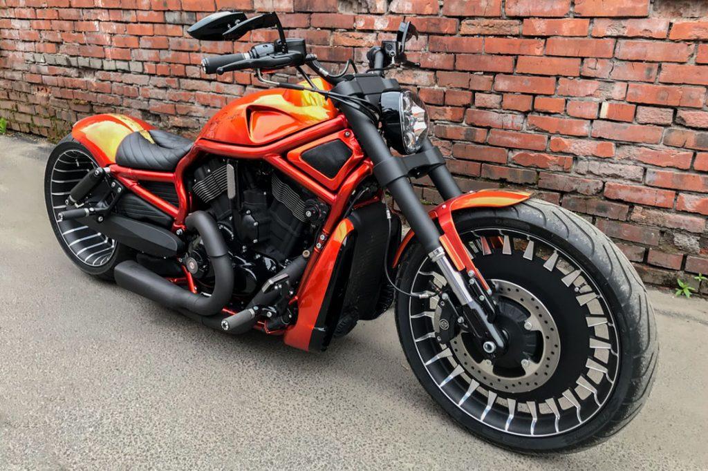 Harley-Davidson V-ROD «ORANGE». Переднее колесо, траверсы и фара от Harley-Davidson Breakout 2018